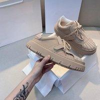 2021 할인 이탈리아 럭셔리 디자이너 캐주얼 에이스 신발 질감 된 편지 인쇄 레이스 업 남성 여성 화이트 블랙 2 톤 고무 솔 공장 스네이크