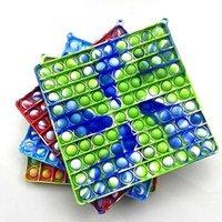 Arco iris Party Fingertip Toys 20 * 20cm Mano cuadrada Push Push Bubble Educación infantil Gran Junta Interactiva Juego Venta al por mayor