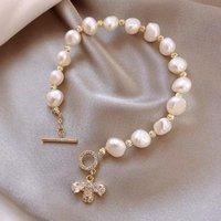 Elegante unregelmäßige Perlensperlen Armband für Frauen Glänzend Zirkon Biene Anhänger Weibliche Mädchen Party Hochzeit Schmuck Charm Armbänder
