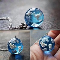 Pendant Necklaces Transparent Resin Rould Ball Moon Necklace Women Blue Sky White Cloud Chain Fashion Jewelry