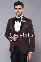 Classic One Button Handsome Groomsmen Peak Lapel Groom Tuxedos Men Suits Wedding Prom Man Blazer ( Jacket+Pants+Vest+Tie) W899