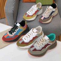 2021 디자이너 Rhyton 스니커즈 베이지 남자 빈티지 럭셔리 Chaussures 숙 녀 신발 디자이너 스 니 커 즈 상자 크기 35-46