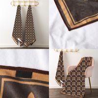 Trendy Paar Handtuch Set 2 Stück mit Box Buchstaben Beschilderung Drucken Handtuch Weiche Absorbierende Haushaltsdesigner Badewanne Strandtücher