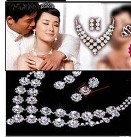 Mode cristal Bride Accessoires Strass Mariage Ensembles de bijoux avec collier Boucle d'oreille Couronne pour mariée mariée mariée 608 K2