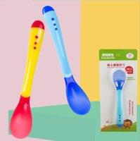 الطفل تغذية الرضع الاستشعار درجة الحرارة ملعقة السيليكون الغذاء الملحق أدوات بثق الانحناء لينة 3 ألوان