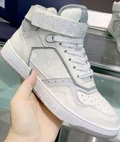 2021カジュアルシューズメンズスポーツ靴のレトロな底wオメンのSP ORTS CASUA L靴Sハイトップランニング靴ひもボックスサイズ35-451
