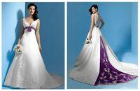 Último diseño Vestidos nupciales Una línea Vestidos de novia Top Venta Princesa Primavera Long Spring Sash Blanco y púrpura Satén con cuentas