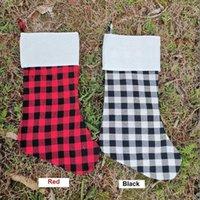 Décoration de la mode Rouge Black Cochez Black and White Vérifiez les chaussettes de Noël Sac à papa en flanelle en gros