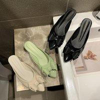 Тапочки Jelly Shoes Damies Резные лук-узлы Мулы закрытыми пальцами Сплошные цветные горки Корейский коренный коренные медны MED на высоких каблуках сандалии женщины 2021