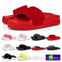 2021 Luxurys 디자이너 붉은 바닥 슬리퍼 풀 재미있는 망 플랫 플립 도나 스포츠 스파이크 검은 흰색 노란색 스웨이드 스포츠 야외 크기 36-46