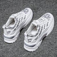 Los mejores zapatos de moda de los hombres de las mujeres de la manera más reciente diseñadores de zapatos de carreras grises blancos de color negro de la luz de los entrenadores deportivos Tamaño 39-44 Código de zapatillas: 88-FB2118