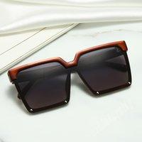 نظارات رجالي نظارات زجاجية زجاجية ألوان نموذج UV400 جودة عالية مع مربع -561