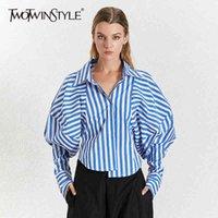 TwotwinStyle 한국어 스트라이프 여성 셔츠 옷깃 칼라 퍼프 슬리브 느슨한 비대칭 캐주얼 블라우스 여성 2020 패션 새로운 T200321