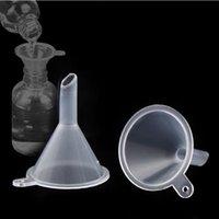 مصغرة البلاستيك الصغيرة قمع العطور السائل الضروري النفط ملء شفاف قمع المطبخ بار أداة الطعام GGA4965