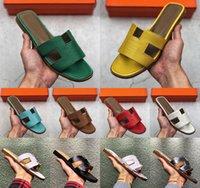 [Kutu ile] Tercihli 2021 Klasik Bayanlar Terlik Yaz Plaj Karikatür Büyük Kafa Rahat Tasarım Deri Düz Kadın Ayakkabıları Otel Banyo Çevirme Boyutu 35-39