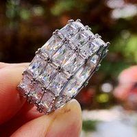 2021 Venda de topo Anel de Casamento Jóias de Luxo 925 Sterling Sillver Três Fileiras Princesa Corte Branco Topázio Cz Diamante Partido Eternidade Mulheres Noivado Anéis de Noiva Presente