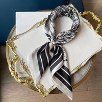 Дамы квадратный шарф модная и элегантная одежда для головного платка должна иметь элемент Size50 * 50см 060206