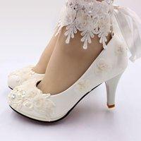 Robe chaussures ivoire dentelle fleurs femmes fait à la main élégant satin rib et satin sangles mariée mariée mariée nq196 talons différents