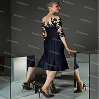 Elegant Black Plus Size Mother Of The Bride Dresses With Sleeves Sheer Neck Lace Knee Length Satin Wedding Guest Party Dress Groom Mom Formal Wear Skirt