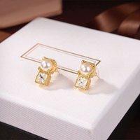High Quality lady Diamonds Stud imitation Jewelry Luxury Ear Studs for women Pearl Earring Designer Metal Design Earrings Lover Earing womens Gift Earing