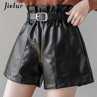 Jielur PU autunno autunno inverno pantaloncini pantaloncini sottili a vita alta colore solido pantaloncini da donna chic cintura coreana in pelle corto pantaloni S-XL 210311