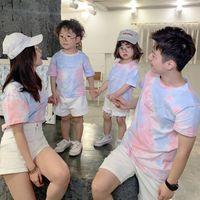 Abiti di abbinamento familiare T-shirt Estate T-shirt in cotone Tie-tinto mamma e figlia vestiti da papà figlio top look