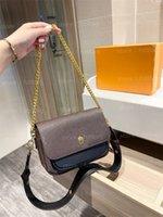 Lockme 부드러운 크로스 바디 가방 블랙 로즈 워터 핑크 그리스 디자이너 가방 잠금 디자이너 Womens 핸드백 지갑