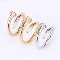 Gioielli da donna in acciaio in acciaio singolo in acciaio singolo anello europeo e americano moda strada hip hop coppia casual coppia classica oro argento rosa optional size5-10