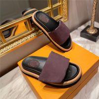 디자이너 부드러운 송아지 여성 샌들 일몰 일몰 플랫 컴포트 뮬 벨크로 패딩 프론트 스트랩 슬리퍼 유행 쉬운 스타일의 슬라이드 고무 outsole 신발