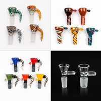 New Arrive 4 style 14mm bowl and 18mm glass bowl Male Joint Handle Beautiful Slide bowl piece smoking Accessories For Bongs Water Pipes