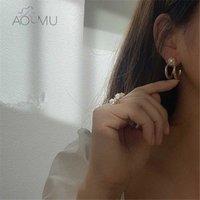 Aomu 2020 جديد s925 هندسية غير النظامية طبقة مزدوجة الذهب اللون المعادن اللؤلؤ هوك انقطاع هوب أقراط للنساء مجوهرات الرجعية e9qh #