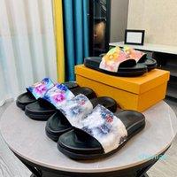 2021 Erkekler Kadınlar Slayt Terlik Mule Waterfront Sandalet Tasarımcı Ayakkabı Lüks Yaz Moda Platformu Kahverengi Siyah Çok Renkli Geniş Düz Kalın