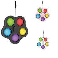 La nuova festa di Fidget Spinner spinge portachiavi a forma di schiuma in forme floreali per decorare giocattoli interattivi per adulti e bambini
