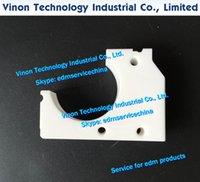 F8912 Направляющий блок нижнего (керамический тип) 50x69x20T MM EDM Запчасти A290-8110-Y770 для C, IA, IB, IC Series. A2908110Y770.