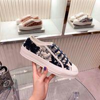 Diseñador zapato casual negro lienzo clásico lienzo lienzo bajo plata plata plata plata zapatillas de deporte de cordones Luxury mujer zapatos de moda zapatillas de deporte de moda en venta