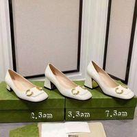 Klasik Kadınlar Yaz Sandalet Moda Ayakkabı Plaj Kalın Alt Terlik Alfabe Lady Deri 2.5 cm 5.5 cm 7.5 cm Yüksek Topuk Slaytlar 01