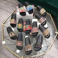 Gucci hombres mujer zapatillas diseñador goma diapositivas sandalias planas flores fresa tigre abejas verde rojo blanco web zapatos de moda beach flip flops flor caja 35-45