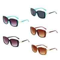 نظارات شمسية خفيفة أزياء المرأة البرية النظارات الشمسية النظارات الصيفية عارضة