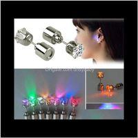 Stud Cool Up LED Light Ear Studs Shinning Brincos Bar Bar Fashion Jóias Presente Para As Mulheres Presentes de Menina Presentes AJOSL QXFDY