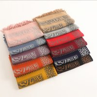 2021 Korean version of the new cashmere scarves women thickened warm oversized shawl hanging tassel scarf in autumn and winter wholesale