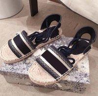 고전 로퍼 Espadrilles Luxurys 디자이너 신발 운동화 캔버스와 진짜 양 가죽 두 톤 모자 발가락 패션 여성 구두 home011 27