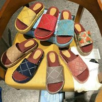 Donnette da donna Sandali Designer Pantofole piatte Slides Flip Flops rosa Piattaforma di gomma rosa Sandalo Canvas Vera vera pelle Slipper Dimensioni 35-40