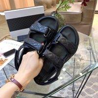 verano moda de lujo diseñador para mujer sandalias de cristal pantifo de piel de beekle plataformas de hebilla de color grueso resuelto zapatos planos espuma corredor de espuma diapositivas de plata plataforma sandalia
