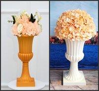 Fleurs décoratives Couronnes 2pcs Colonnes Roman Pilier Pilier Pouliers de fleurs Pot de fleurs européennes Route européenne Scène de mariage Props Plastic Decorati