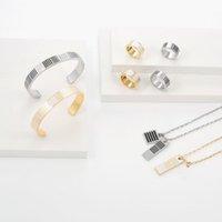Europa américa moda fashion conjuntos de jóias homens senhora mulheres prata / ouro-color hardware esmalte listras gravadas v carta Damier motif branco motivo colar pulseira anéis M69452