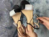 Moda Bayanlar Terlikler ve Sandalet 2021 için, Boyut 35-41, Deri Taşlı, Altın Mektup Logosu.