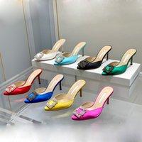Dernières taillons à la mode Chaussons de tête Strass Square Boucle Chaussures Chaussures Femme Femmes Talons hauts de luxe Satin Satin Crystal Métal Décoratif Madame Sandales Designer