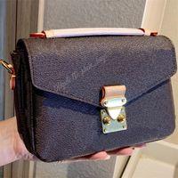 Wallet Ombro Crossbody Chain Bag Totes Quadrado Messenger Postmen Bolsa Bolsa Fanny Tote Carteiras Backpack 2021 Mulheres Luxurys Designers Sacos Bolsas Bolsas Bolsas