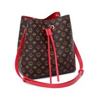 Bucket bag 2020 new fashion one shoulder large capacity bag women's portable large simple Messenger Fashion