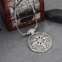 Pingente colares jóias tibetanas vintage prata banhado bohemian oco esculpido cadeia de pingentes redondos para mulheres feminina